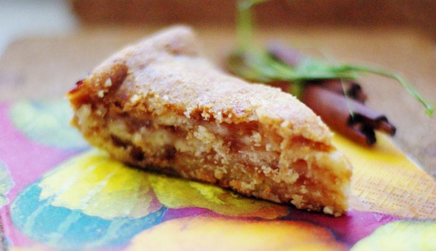 Яблочный пирог на манке