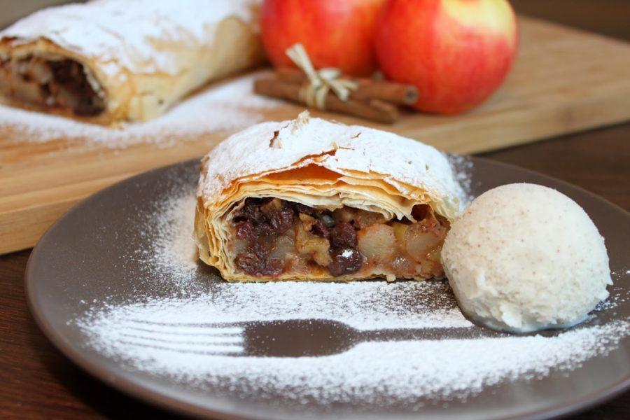 Как приготовить вкусный штрудель с яблоками - 7 простых рецептов