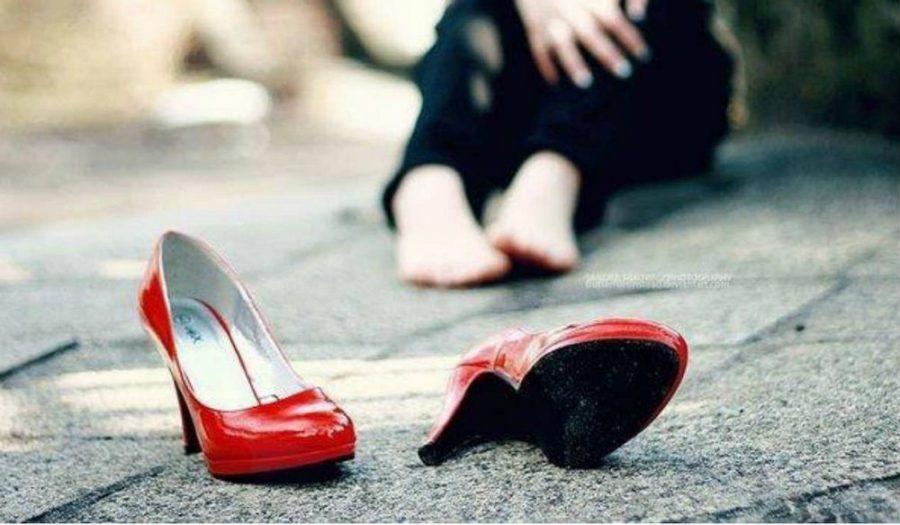 что делать нельзя при растяжки обуви