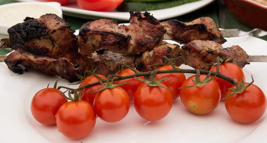 Svinoj-shashlik-v-tomatnom-soke